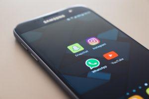 social-media-smart-phone
